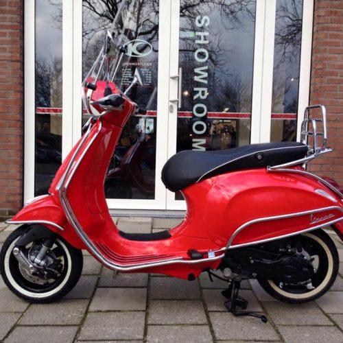 Vespa Primavera Red Custom