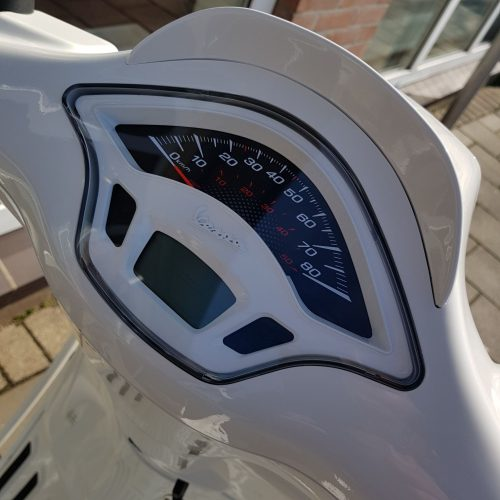 Vespa Sprint Super White Custom