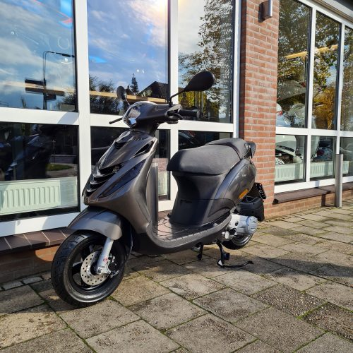 Piaggio Zip SP Special Edition LED Porsche Agaat Grijs