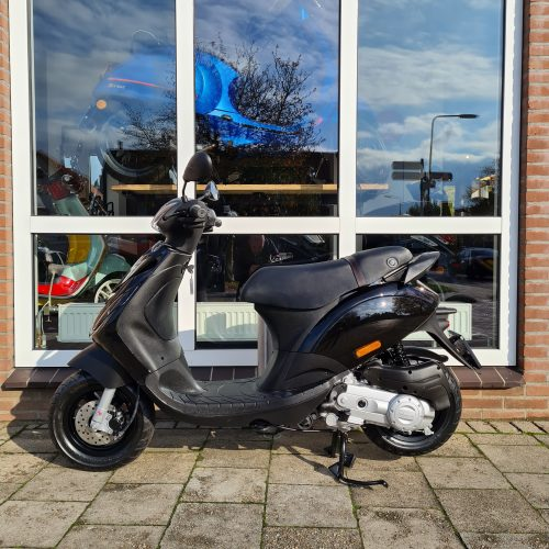 Piaggio Zip SP Special Edition LED Hoogglans Zwart